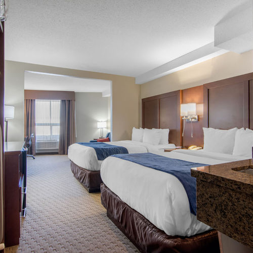 Comfort Inn & Suites Medicine Hat Triple Suite